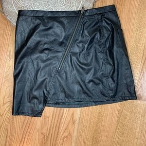Sanctuary Faux Leather Assymetrical Skirt 46